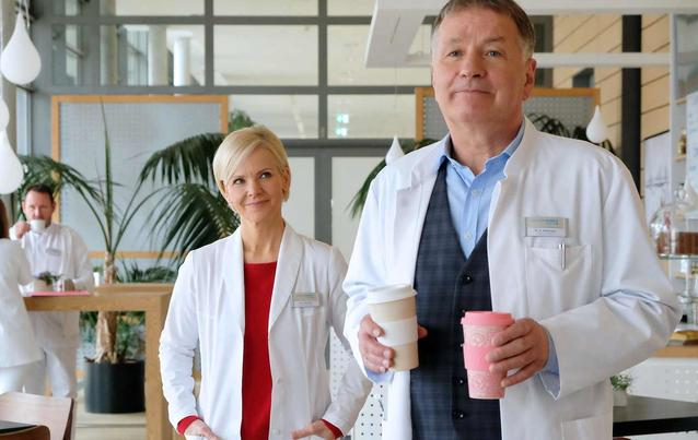 In aller Freundschaft 2019: Thomas Rühmann & Andrea Kathrin Loewig