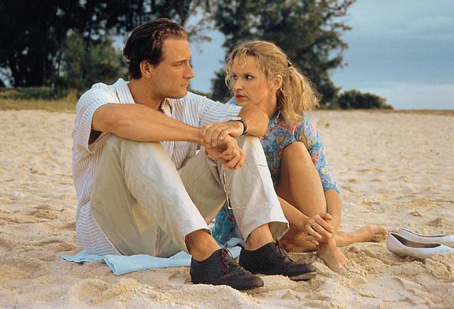 """""""In aller Freundschaft""""-Star Andrea Kathrin Loewig 1996 mit Heikko Deutschmann in """"Der Mond scheint auch für Untermitter"""""""