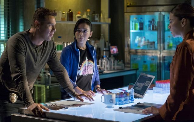 """""""Lucifer"""" - Staffel 4: Chloe (Lauren German), Dan (Kevin Alejandro) und Ella (Aimee Garcia)"""