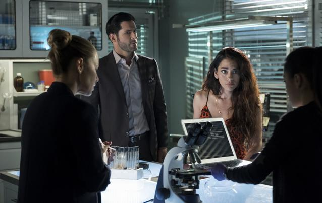 """Lucifer"" - Staffel 4: Lucifer (Tom Ellis) und Eva/Eve (Inbar Lavi)"