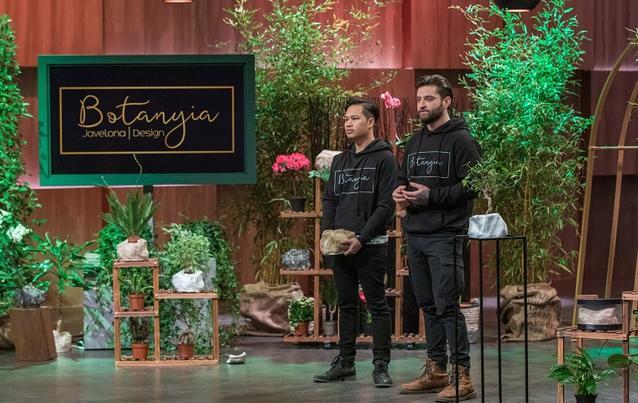 """Die beiden Gründer Jeffrey Javelona und Valentin Muckle präsentieren """"Botanyia""""."""