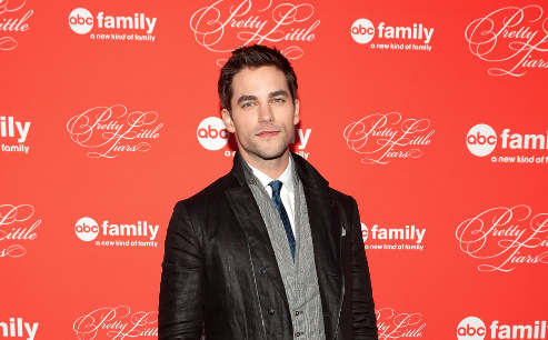 brant daugherty spielt in fifty shades of grey. Black Bedroom Furniture Sets. Home Design Ideas