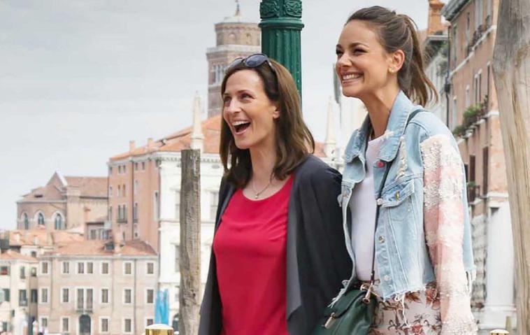 GZSZ Katrin (Ulrike Frank, l.) und Jasmin (Janina Uhse)