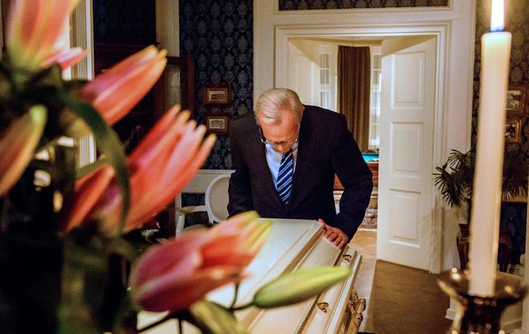Werner (Dirk Galuba) wird bald wieder Trauern. Foto: ARD