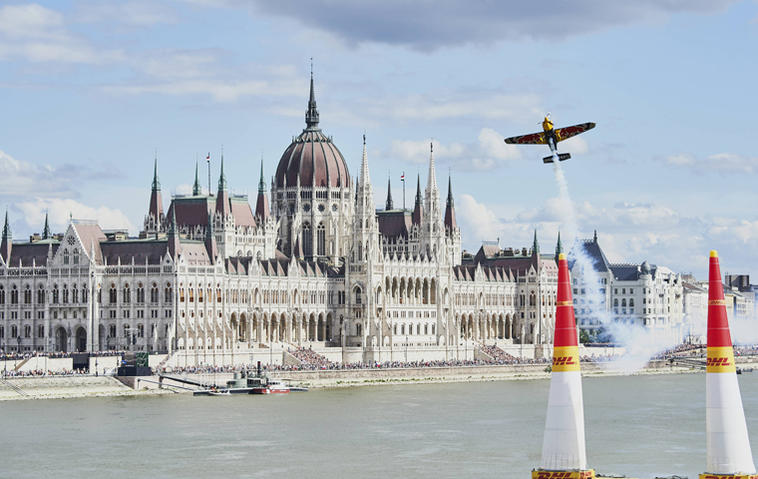 "Das ""Red Bull Air Race"" in Budapest. Foto: Armin Walcher / Red Bull Content Pool"