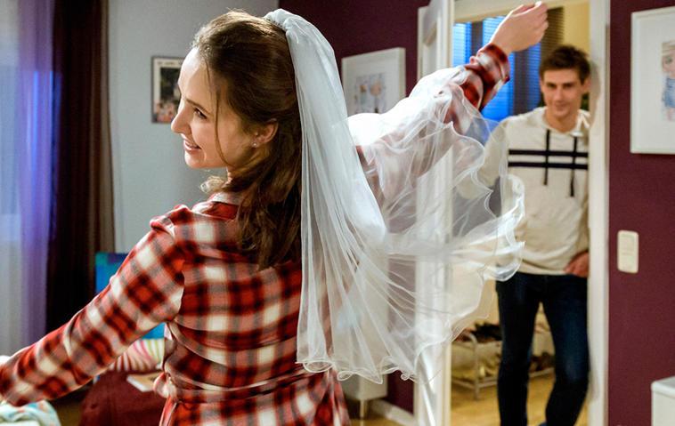 """Sehen wir Romy in der nächsten Staffel """"Sturm der Liebe"""" als Braut?"""
