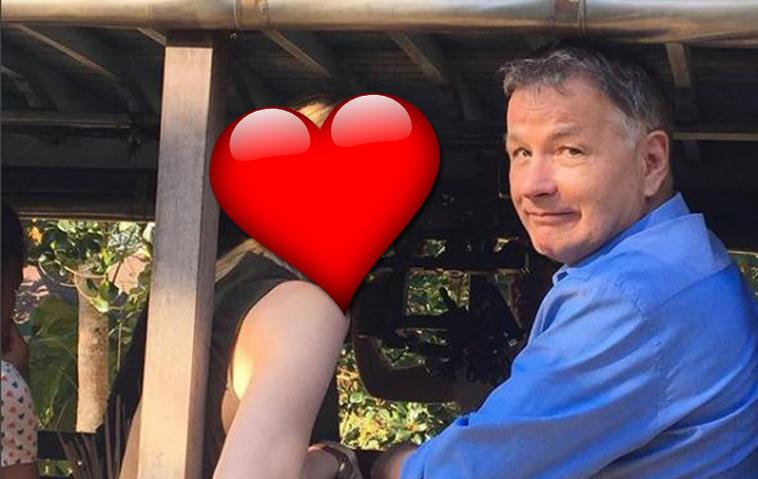 In aller Freundschaft: SIE ist die neue Frau an Roland Heilmanns Seite