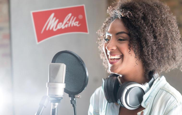 Gewinnt einen Tag im Tonstudio mit einem Vocal Coach & einen Jahresvorrat Melitta Kaffee!