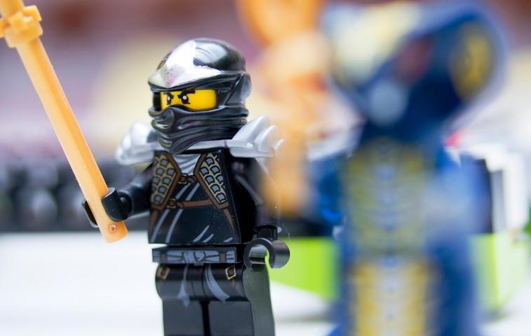 Ninjago Kostüm - So wird dein Kind zu Kai, Jay, Zane und Co.