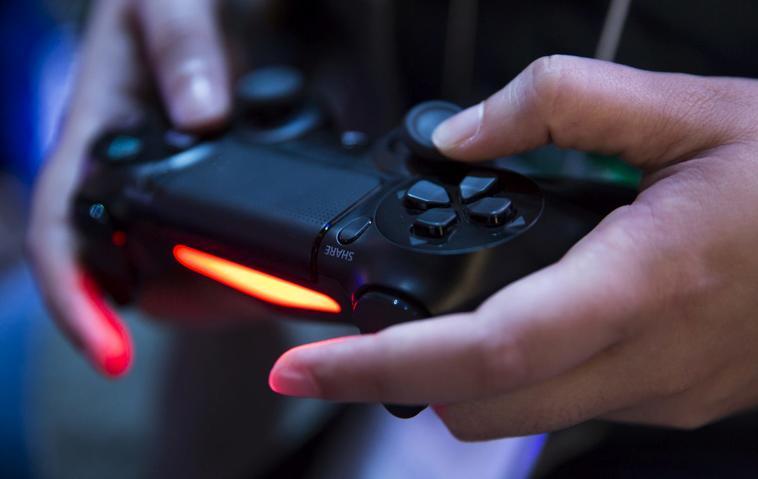 PS5: Bilder der Playstation 5 und des PS5-Controllers aufgetaucht!