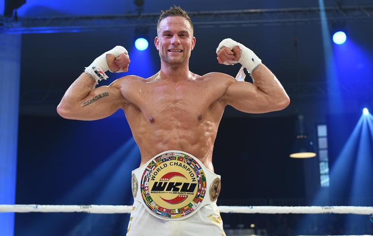 Bachelor Sebastian Preuss Weltmeister im Thai-Boxen