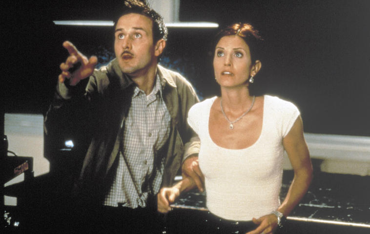 "David Arquette und Courteney Cox in ""Scream 2"" aus dem Jahr 1997."