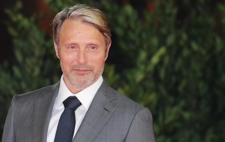 """Wird Mads Mikkelsen als Johnny-Depp-Ersatz in """"Phantastische Tierwesen 3"""" zu sehen sein?"""