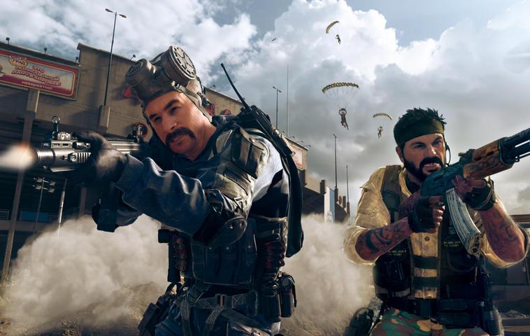 Szene aus Call of Duty Black Ops Cold War: Zwei Soldaten schießen