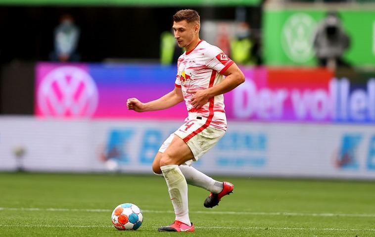 Willi Orban ist der Kapitän der Manchester-Mannschaft.