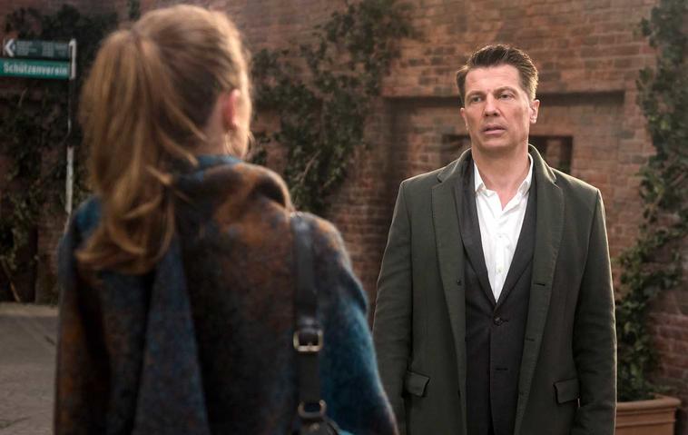 """Trotz Flugzeugabsturz: Kehrt Gregor zurück zu """"Rote Rosen""""?"""