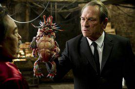 "Tommy Lee Jones jagt Robert De Niro in Luc Bessons ""Malavita"""