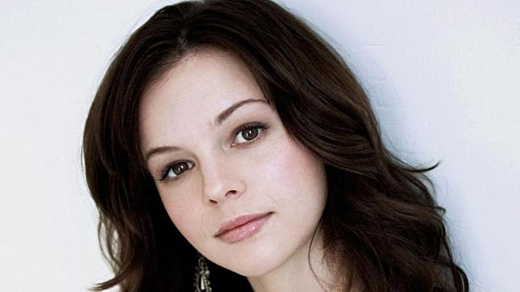 """Two and a Half Men"": Amber Tamblyn wird Charlies Tochter"