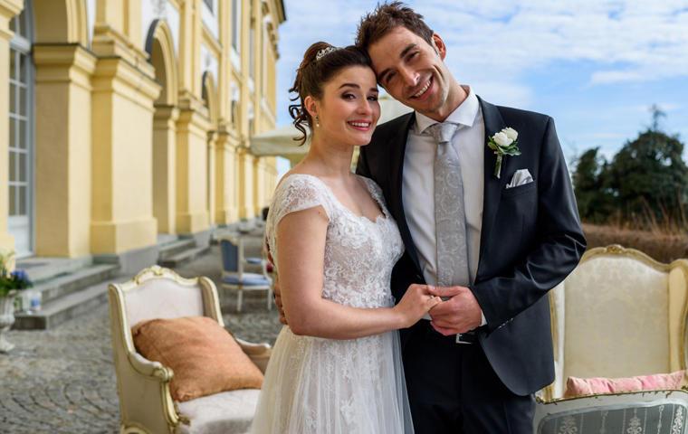 Clara und Adrian heiraten