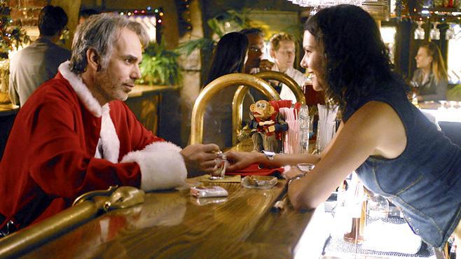Bad Santa, 2.12., 22.25 Uhr, ProSieben: Dieser Weihnachtsmann (Billy Bob Thornton) ist ein richtiger Hurenbock, der säuft wie ein Loch! Zum Ablachen!