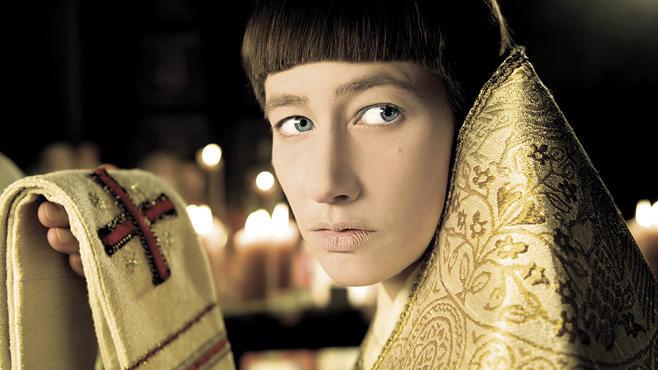 Die Päpstin, Free-TV-Premiere, 19.12., 20:15 Uhr, ARD: Eine Frau, eine Karriere: Im Jahr 814 arbeitet sich Johanna (Johanna Wokaleck) als Mann verkleidet an die Spitze des Vatikans.