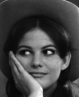 Claudia Cardinale war in den 60er Jahren ein Star, betrörte mit ihrem rassigen Aussehen und ihren Kurven.