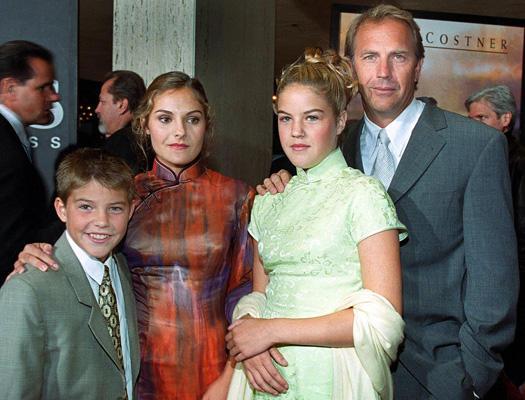Kevin-Costner-und-Kinder-52.jpg