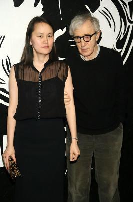 Bei Woody Allen und Soon-Yi Previn verwirrt nicht die Tatsache, dass sie 35 Jahre jünger ist als er. Sie ist seine Adoptivtochter.