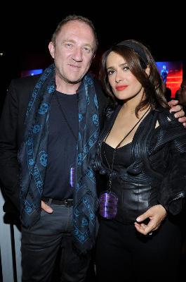 Die rassige Schauspielerin Salma Hayek und der milliardenschwere Geschäftsmann Francois-Henri Pinault wirken auf den ersten Blick sehr unterschiedlich. Sie sind jedoch glücklich miteinander verheiratet.