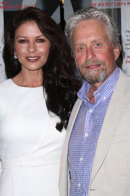Michael Douglas und Catherine Zeta-Jones trennen stolze 24 Jahre. Bisher haben sie jeden Krise erfolgreich gemeistert.