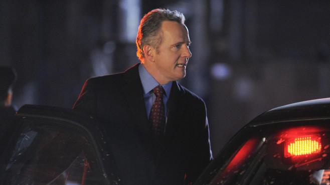 Aidan Quinn als Captain Toby Gregson